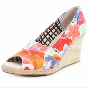 💥 Toms Calypso Floral Peep Toe Wedges Sz 8W